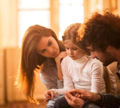 چطور با فرزندمان در مورد تراژدی و فاجعه صحبت کنیم؟
