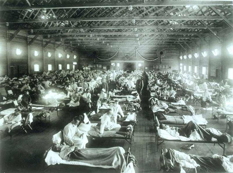 تصویری از یک بیمارستان در زمان همهگیری آنفولانزای دنیاگیر 1918