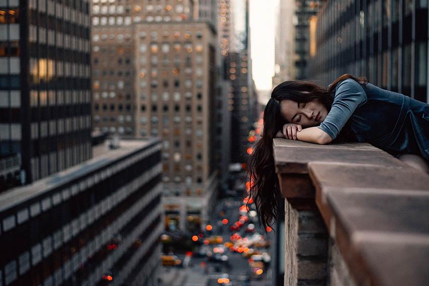 حملات ناگهانی خواب ممکن است در طول هر نوع فعالیت و در هر زمان از روز رخ دهد.