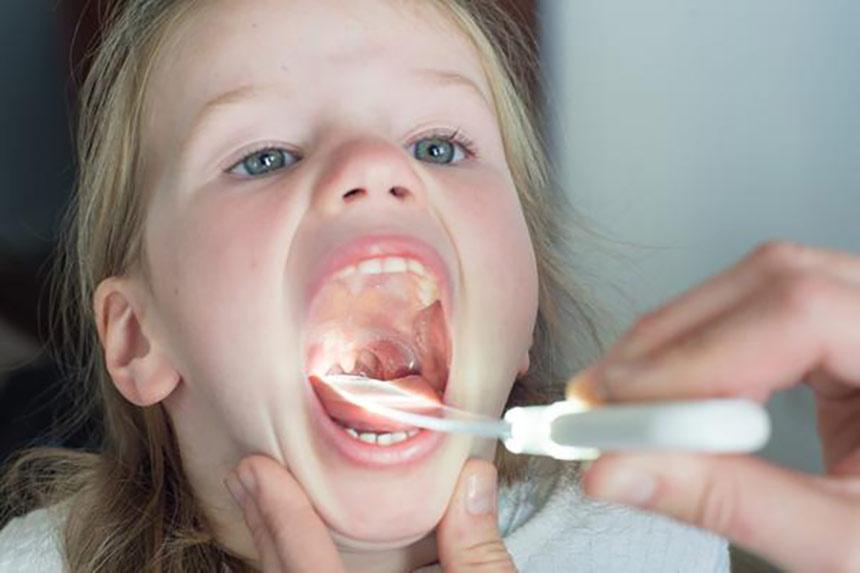 گلو-درد-در-کودکان