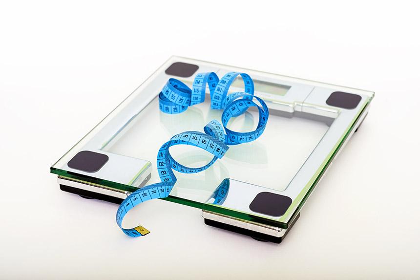 ترازو-برای-اندازه-گیری-وزن