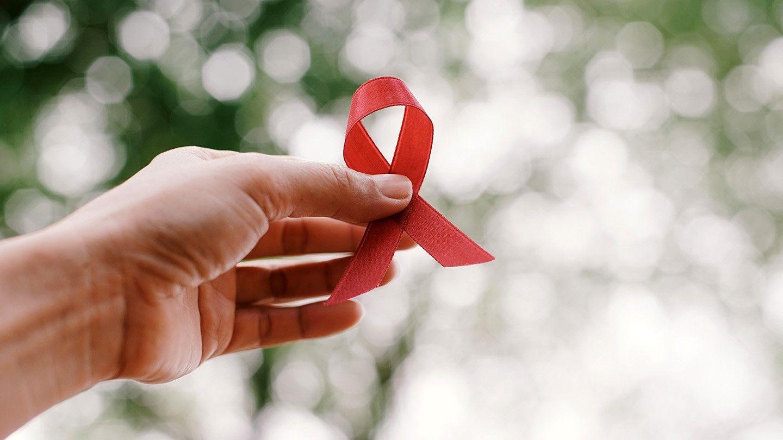 مبارزه با HIV