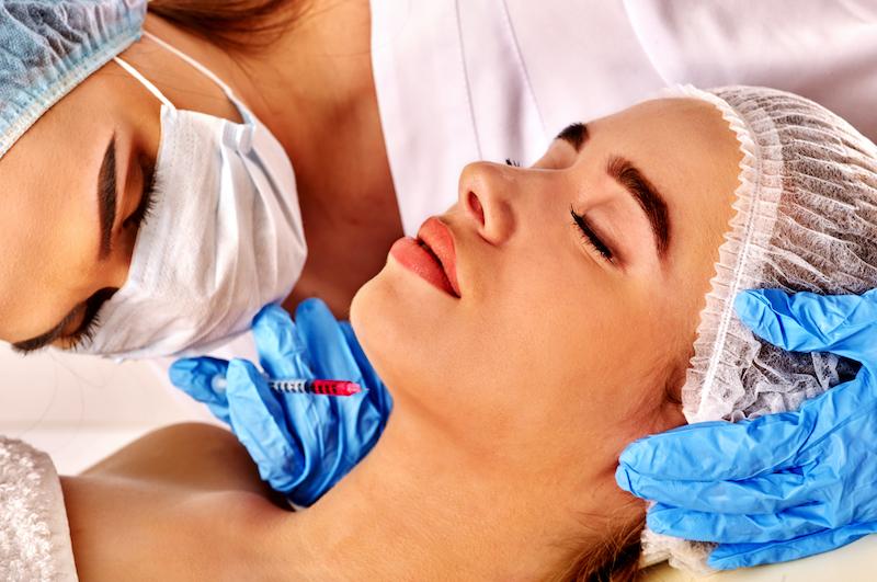 تزریق بوتاکس گردن برای رفع چین و چروک گردن و غبغب